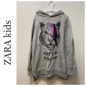 Zara kids gray long sleeve graphic sequence hoodie sweater size 8
